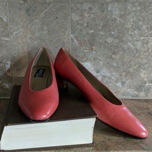 Vaneli low heels size 9.5 n